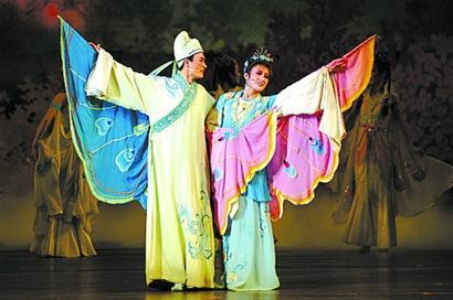 血海歌剧团元旦献艺青岛大剧院