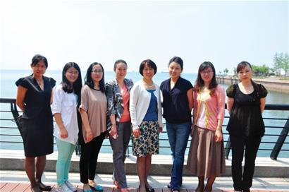 青岛佳家康医疗机构董事长李晓玲分享了自己的育子体验,她认为孩子最