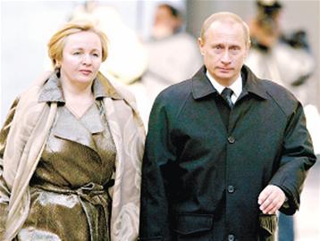 但是,如果普京拥有这么美丽的妻子,未必对他的形象有负面影响.
