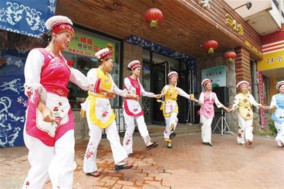 七朵姐妹花献唱啤酒节-青岛报纸电子版